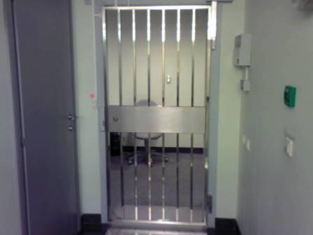 Лестничные двери