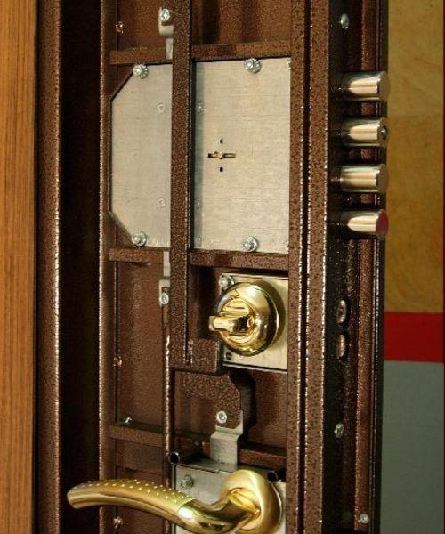 Замена замка металлической двери своими руками